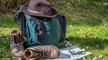 vandrestøvler rygsæk hat kort kompas medlemsfordele i Dansk Vandrelaug