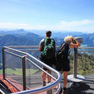 Vandreferier med DVL her på udkigspost i Triassic Park i Østrig. Foto Preben Køhler