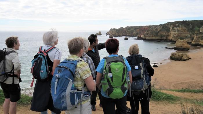 Geologen fortæller om kridt og kalk og gamle vulkaner, Algarve Foto Bente Michelsen