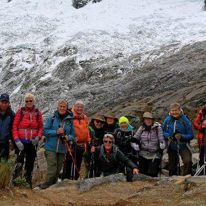Rejseholdet i Punta Union Cordillera Blanca i Peru. Foto Jan Tvernoe (Happy Lama Travel)