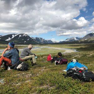 Fordybelse i pausen på Kungsleden. Foto Rie Lambeck Mikkelsen