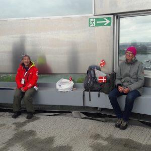 Min rute gik fra Prags Boulevard til Amager Bakke. På toppen af Amager Bakke fik vi hilst på Anita Garbers, der havde lækker kage med. Min gode veninde Hanne var med. Foto Rita Møller