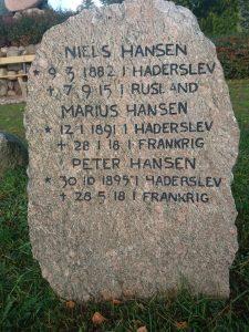Mindesten på Damager Kirkegård. Nok tre brødre, som faldt for Tyskland i 1. verdenskrig. Foto Erling Sørensen