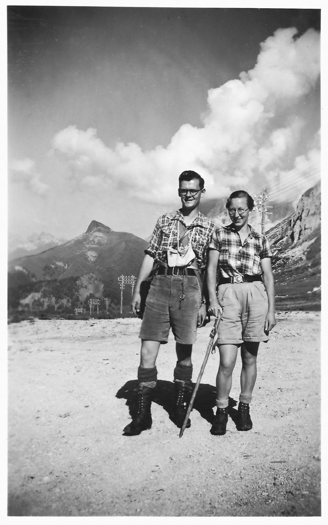 Gerda og Poul Brejnebøl ved Passo Pordoi (2250 m) i Dolomitterne i 1938