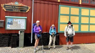 Ingelise Kvorning, Ulla Jeppsson og Hans Henrik Kleinert besøgte Rudkøbing, som en del af turen på Øhavsstien. Foto privat