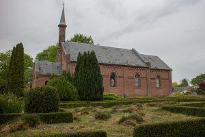 Et stykke af den oprindelige hede er bevaret på Obbekær kirkegård.Foto Peter Steg.