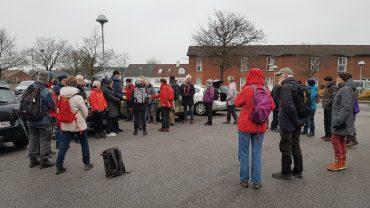 44 forventningsfulde vandrere samles for at være med på bytur i Tarm