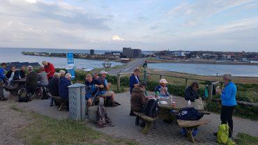 DVL vandretur - Solnedgangstur - Aftensmaden spises på Troldbjerg