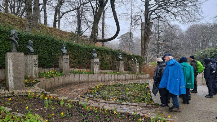 DVL vandretur - Kultur og hjertesti i Holstebro110421. Busteparken.