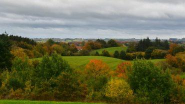 Landskabet ved Knivsbjerg i efterårsfarver
